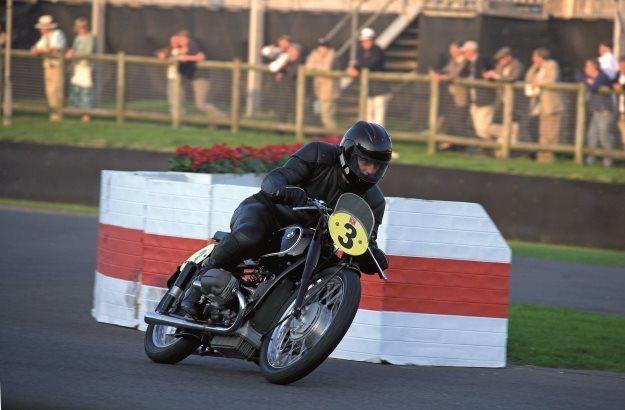 Kalbfell był fanem starych motocykli /