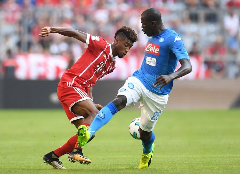 Kalidou Koulibaly (Napoli, z prawej) i Kingsley Coman z Bayernu /AFP