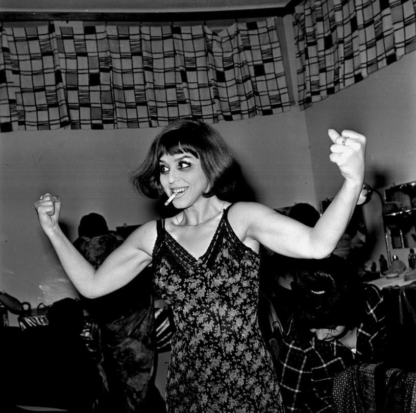 Kalina Jędrusik w czasie Festiwalu Opolskiego w 1966 roku /Aleksander Jalosinski / Forum /Agencja FORUM
