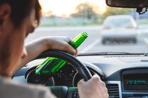 Kalwaria Zebrzydowska: Pił piwo i prowadził samochód, relacjonując to na żywo
