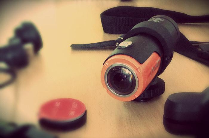 Kamera Mio MiVue M350 - czy to dobry sprzęt dla miłośników sportów ekstremalnych? /INTERIA.PL