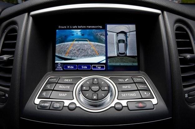 Kamery można już spotkać w droższych samochodach /