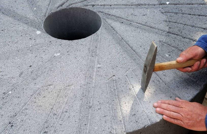 kamień młyński /CHRISTOF STACHE /AFP