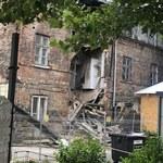 Kamienica, w której zawaliły się ściana i część dachu, przejdzie remont