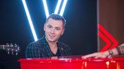 """Kamil Bednarek w """"The Voice of Poland"""": Utwór pisałem w emocjach. Straciłem kogoś bardzo ważnego"""