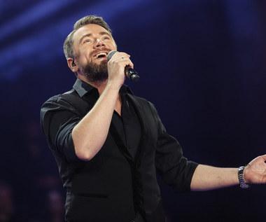 """Kamil Bednarek: Znamy jego gości na koncercie """"MTV Unplugged"""" [DATA, MIEJSCE, BILETY]"""