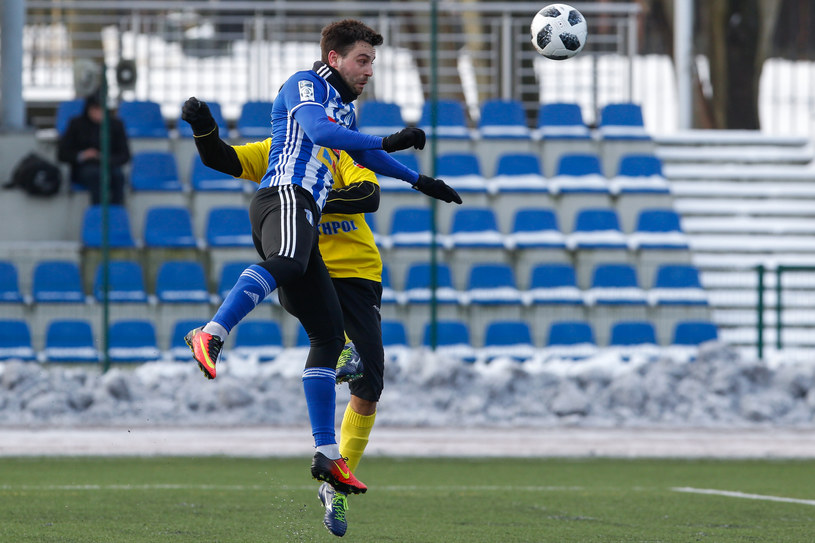 Kamil Biliński (na pierwszym planie) strzelił jednego gola dla Wisły /GRZEGORZ RADTKE /Newspix