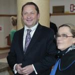 Kamil Durczok tryskał w sądzie dobrym humorem. Spotkał się z Omeną Mansah!