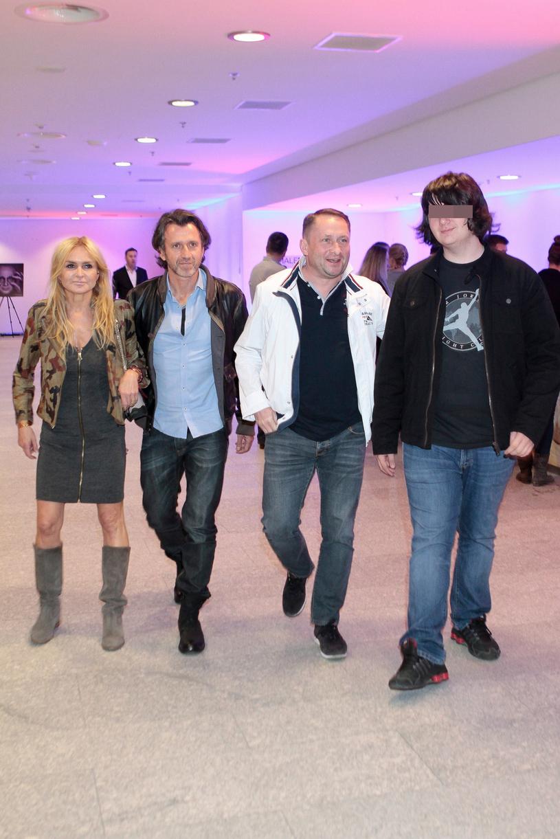 Kamil Durczok z synem i Monika Olejnik z partnerem na imprezie w 2014 roku /Jankowski /Reporter