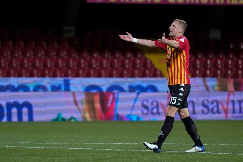 Kamil Glik niezadowolony z decyzji arbitra /PAP