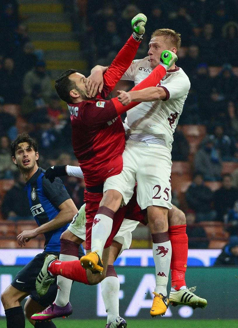 Kamil Glik (pierwszy z prawej) w meczu przeciwko Interowi /AFP
