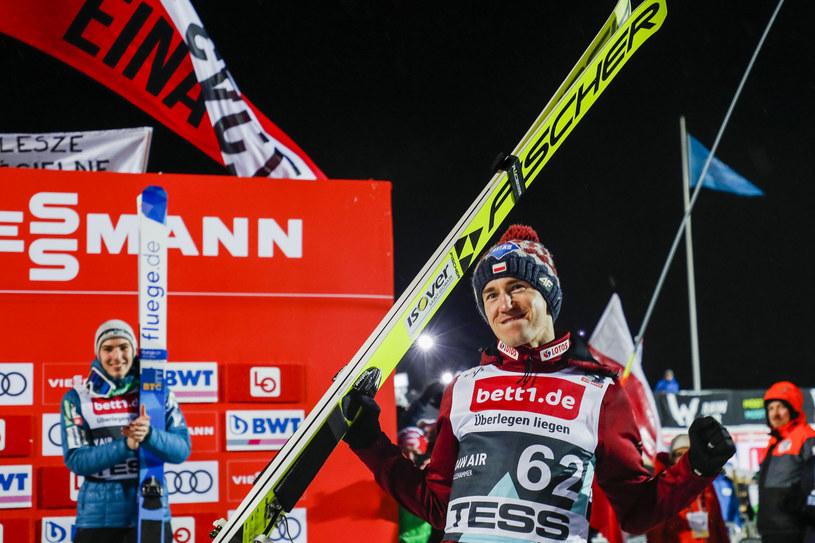 Kamil Stoch jest wiceliderem Turnieju Czterech Skoczni /AFP