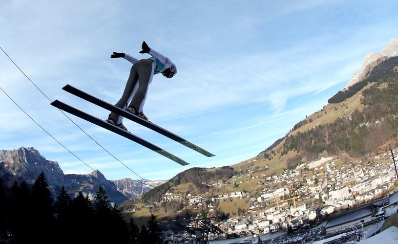 Kamil Stoch na skoczni w szwajcarskim Engelbergu /Grzegorz Momot /PAP