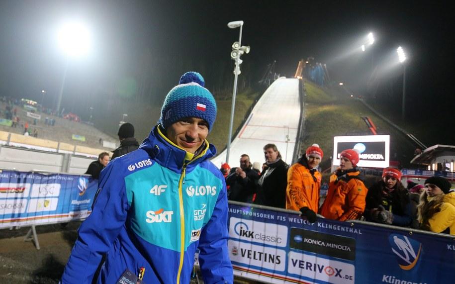 Kamil Stoch podczas konkursu drużynowego Pucharu Świata w niemieckim Klingenthal /Grzegorz Momot /PAP