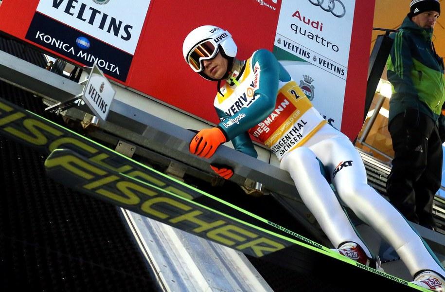 Kamil Stoch podczas treningu przed zawodami Pucharu Świata w skokach narciarskich w Klingenthal /Grzegorz Momot /PAP