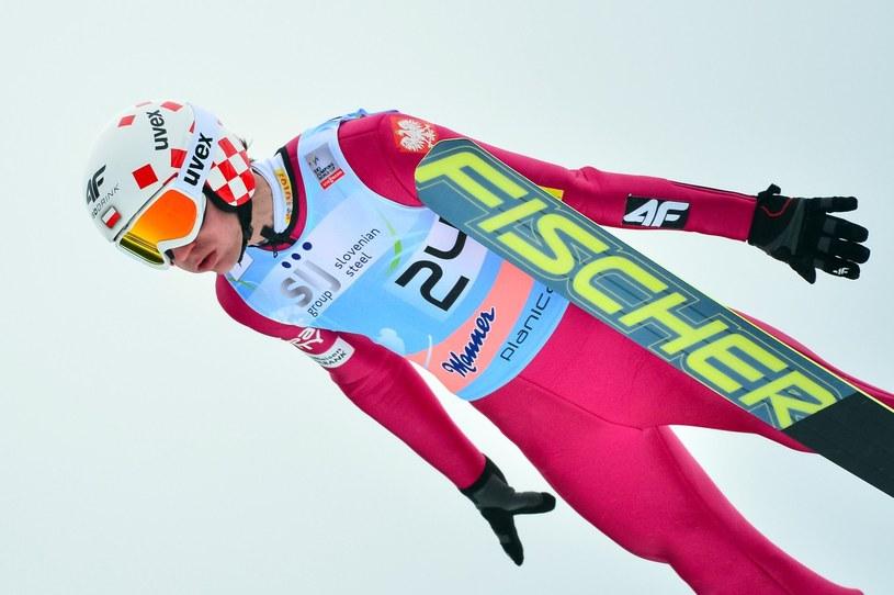 Kamil Stoch podczas ubiegłorocznego konkursu w Planicy /AFP