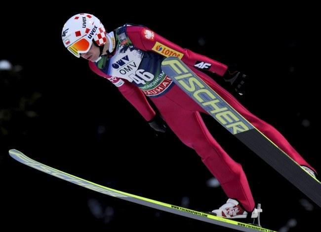 Kamil Stoch podczas wygranego konkursu w Trondheim /PAP/EPA