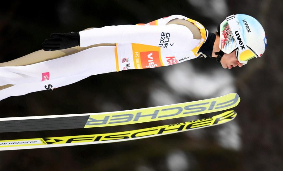 Kamil Stoch podczas zawodów Pucharu Świata w skokach narciarskich w niemieckim Willingen /ARNE DEDERT  /PAP