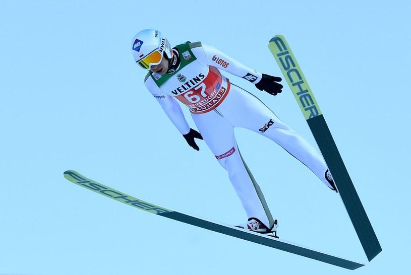 Kamil Stoch świetnie spisał się w dwóch treningach i kwalifikacjach w Oberstdorfie /fot. Christof Stache /AFP