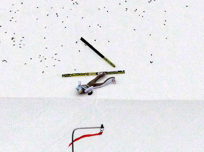 Kamil Stoch upadł na treningu przed konkursem w Innsbrucku /Grzegorz Momot /PAP