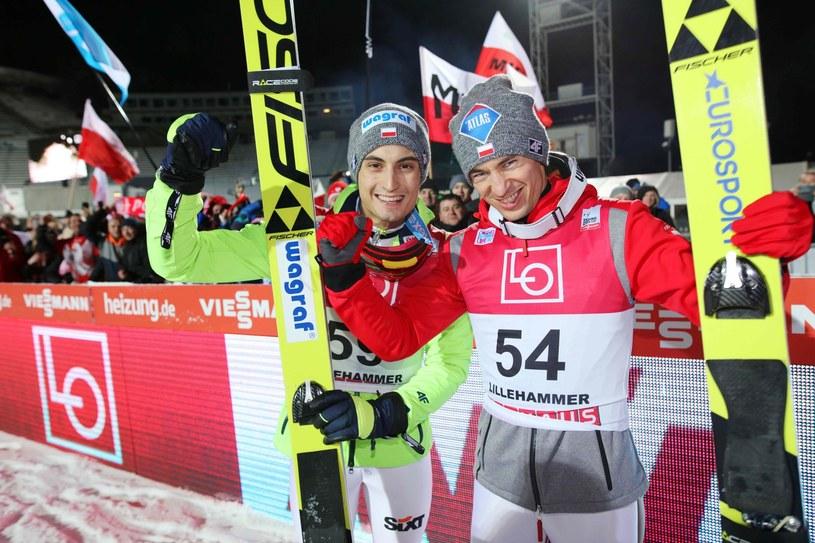 Kamil Stoch (z prawej) i Maciej Kot /AFP