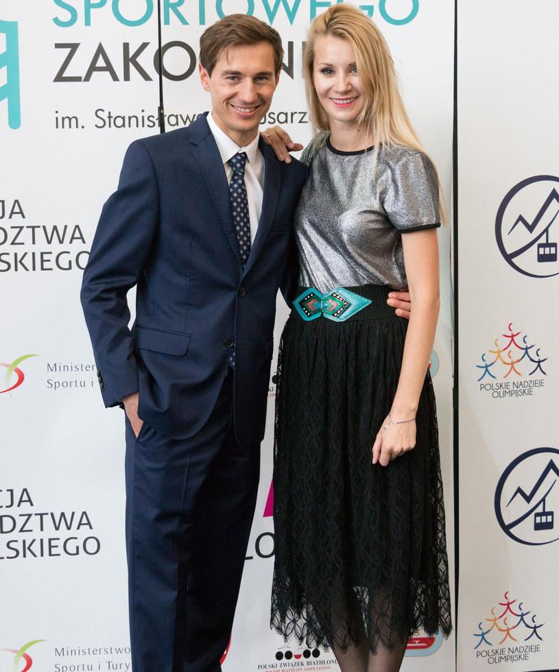 Kamil Stoch z żoną Ewą, fot. Michał Ostaszewski /Reporter