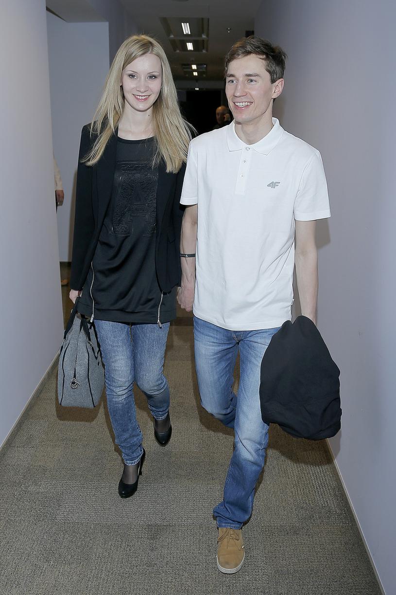 Kamil Stoch z żona Ewą /Jordan Krzemiński /AKPA