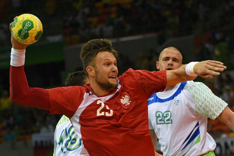 Kamil Syprzak podczas meczu ze Słowenią /AFP
