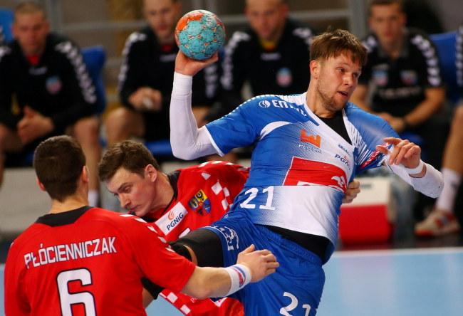 Kamil Syprzak (z piłką) /Marcin Bednarski /PAP