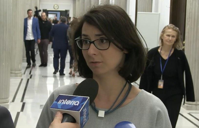 """Kamila Gasiuk-Pihowicz pyta: """"Dlaczego musimy pracować intensywnie?"""" /INTERIA.PL"""