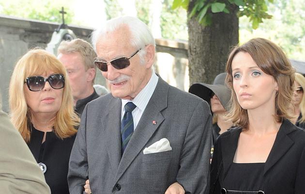 Kamila Łapicka z Zuzanną Łapicką i byłym prezydentem Warszawy Stanisławem Wyganowskim /Andras Szilagyi /MWMedia