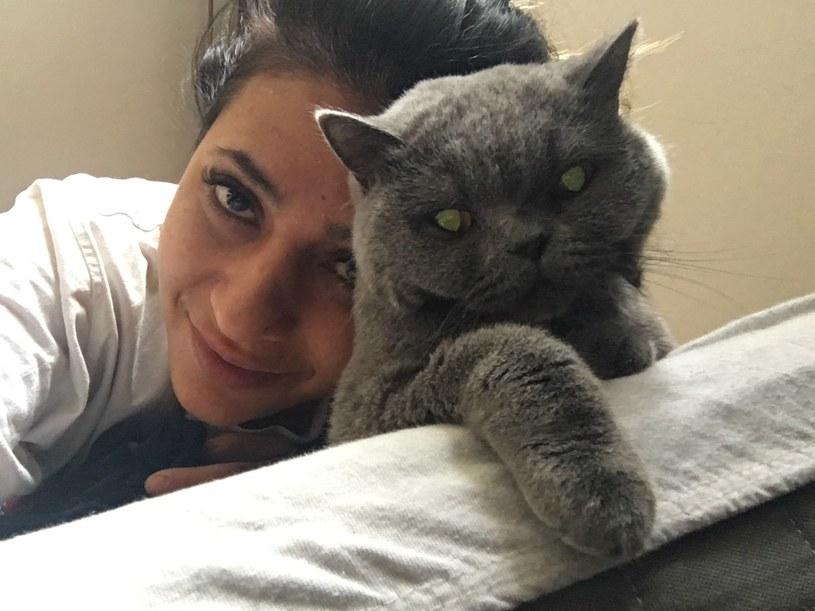 Kamila Ścibiorek z kotką Yoko /archiwum prywatne