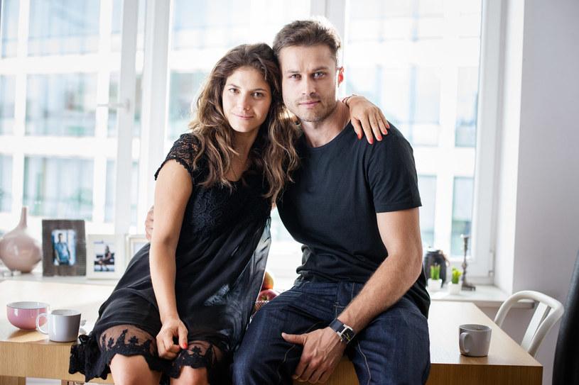 Kamila (Weronika Rosati) i Adam (Maciej Zakościelny) /Grzegorz Gołębiowski/PROFILM /materiały prasowe