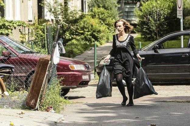 Kamila wyrzuciła na śmietnik pamiątki po mężu! /- /East News