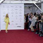 Kamilla Baar pozuje w Berlinie