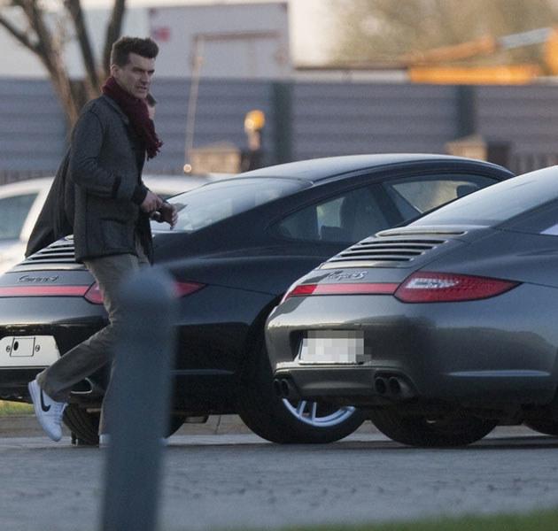 Kammel bardzo lubi drogie samochody. /Paweł Dąbrowski /East News