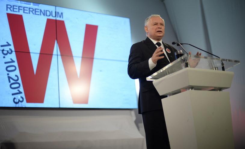 Kampania PiS przed referendum w Warszawie /Jacek Turczyk /PAP