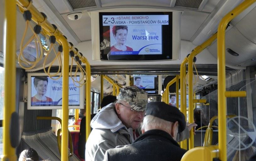 Kampania wyborcza do samorządu. Na zdjęciu reklama w autobusie /Włodzimierz Wasyluk /Reporter