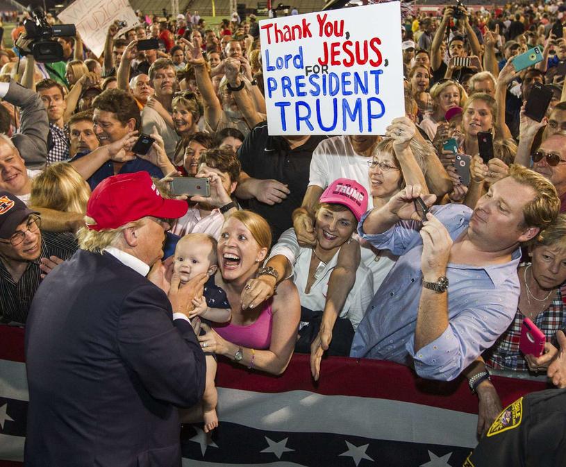 Kampania wyborcza, Donald Trump witany w Alabamie jak gwiazda rocka /AFP