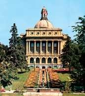 Kanada, Edmonton, budynek władz prowincji Alberta /Encyklopedia Internautica