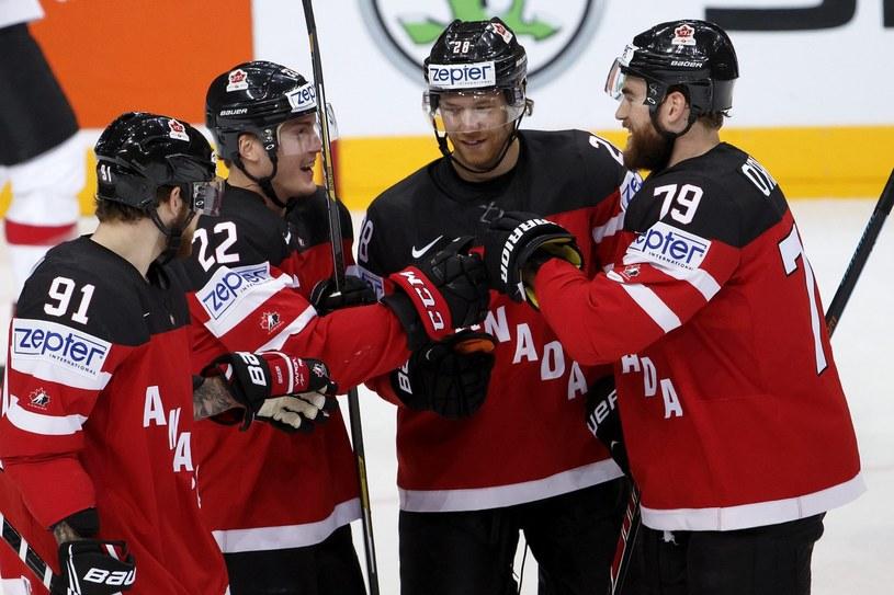 Kanadyjczycy są głównymi faworytami do zdobycia złotego medalu MŚ w Czechach /PAP/EPA