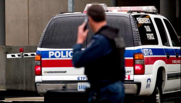 """Kanadyjska policja i służby bezpieczeństwa zatrzymały osoby podejrzane o planowanie """"dużego ataku terrorystycznego"""" /AFP"""