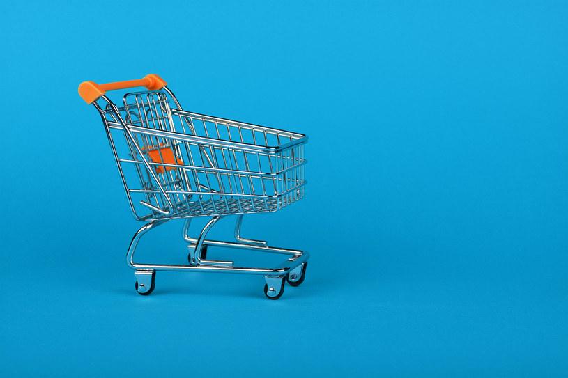 Kanadyjska sieć sklepów wielobranżowych Couche-Tard wycofała się z przejęcia giganta branży detalicznej po tym, jak francuski rząd zapowiedział zawetowanie umowy /123RF/PICSEL