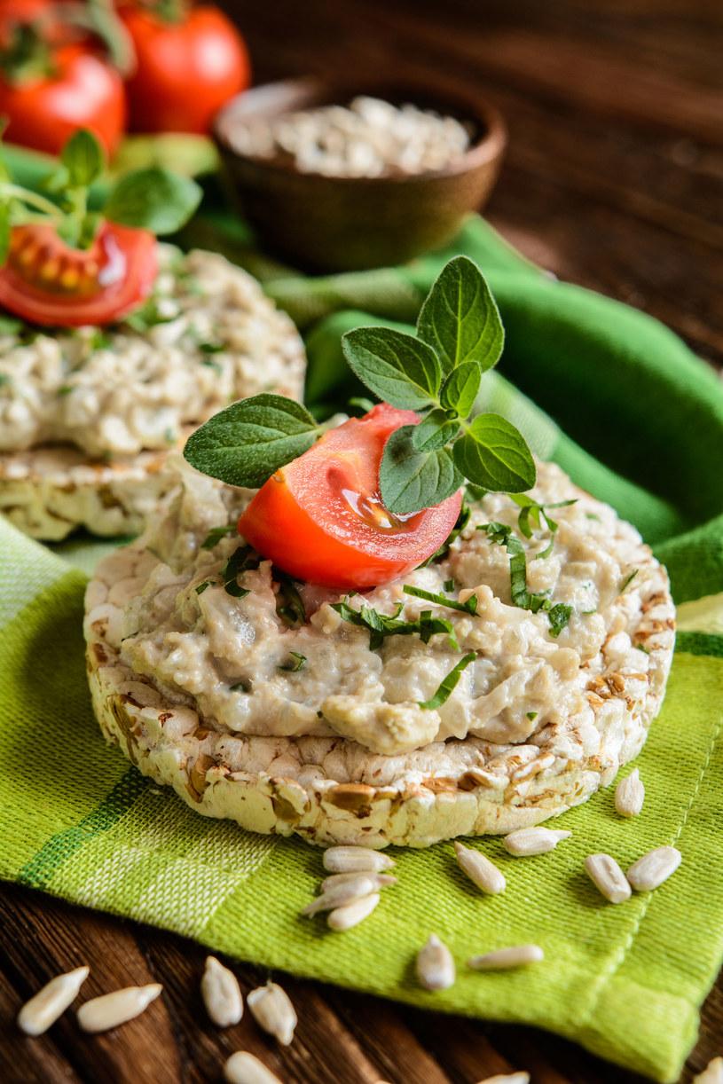 Kanapki z wafli ryżowych /123RF/PICSEL