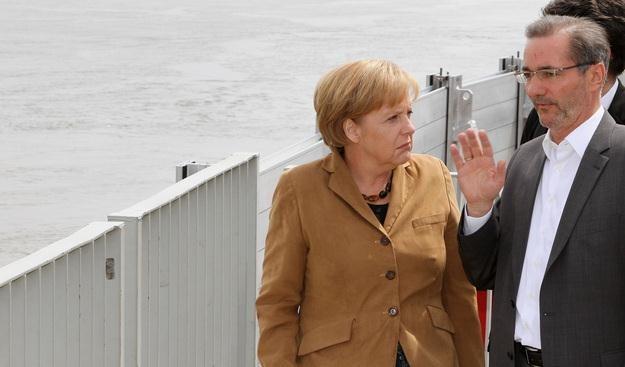 Kanclerz Angela Merkel i Matthias Platzeck /AFP