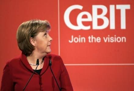 Kanclerz Angela Merkel na otwarciu targów /AFP