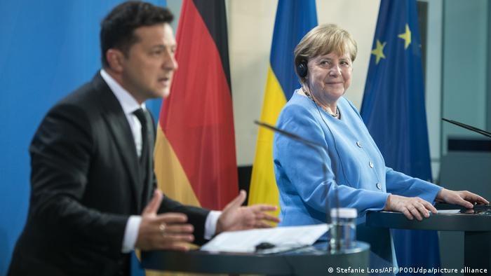 Kanclerz Niemiec Angela Merkel i prezydent Ukrainy Wołodymyr Zełenski /Stefanie Loos/AFP POOL/dpa/picture alliance /Deutsche Welle