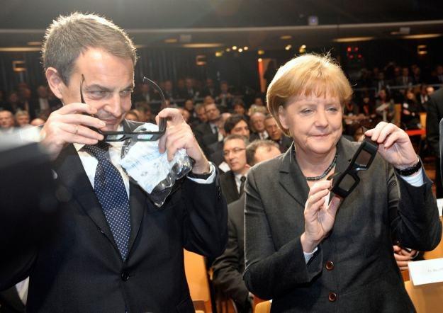 Kanclerz Niemiec i premier Hiszpanii dzielnie bronili Europy, jednak w Hanowerze dominowali Azjaci /AFP