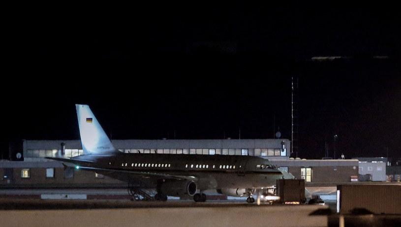 Kanclerz spędziła noc w Niemczech i wyruszyła do Argentyny dopiero w piątek rano /THOMAS BANNEYER /PAP/EPA
