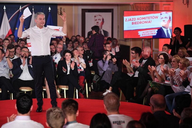 Kandydat Lewicy na urząd prezydenta RP, europoseł, lider Wiosny Robert Biedroń podczas swojej konwencji wyborczej Roberta Biedronia / Radek Pietruszka   /PAP